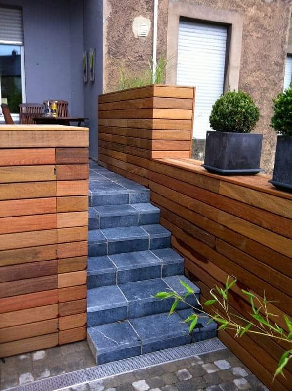 Jardinier au Luxembourg construction abri de jardin bois 41