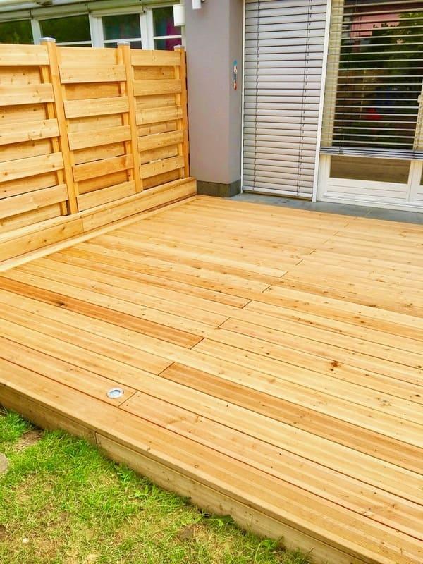 Jardinier au Luxembourg construction abri de jardin bois 45