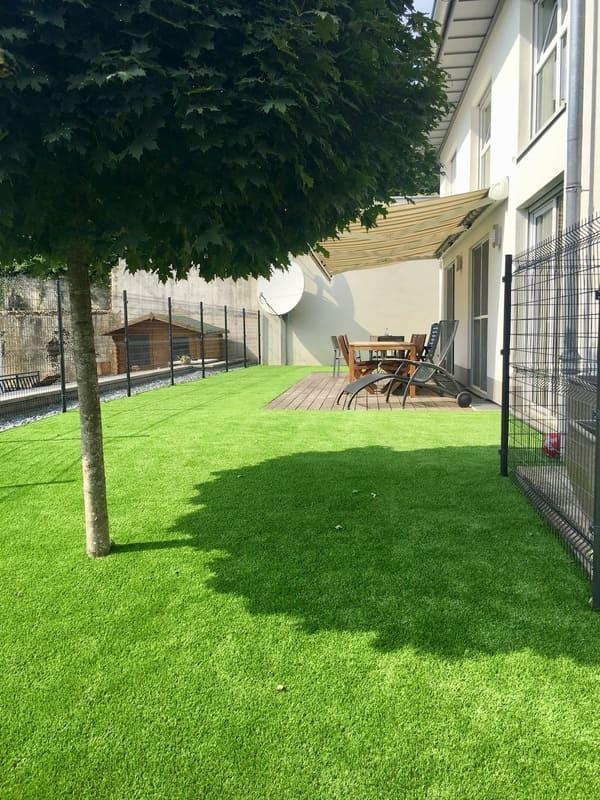 Nouveau gazon - jardin Luxembourg