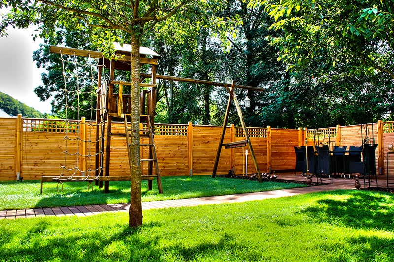 Jardinier au Luxembourg construction abri de jardin en bois 20