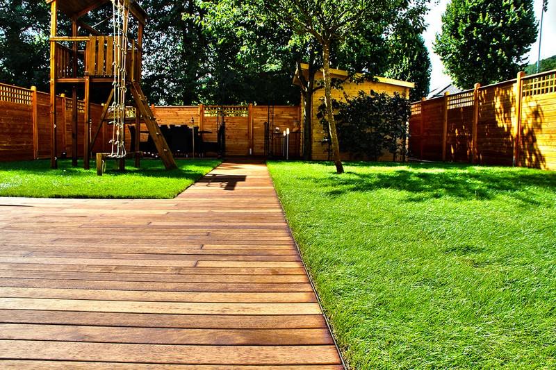 Jardinier au Luxembourg construction abri de jardin en bois 27