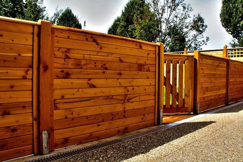 Jardinier au Luxembourg construction abri de jardin en bois 37
