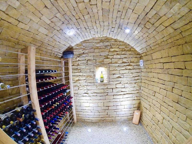 Maçonnerie Luxembourg cave à vin